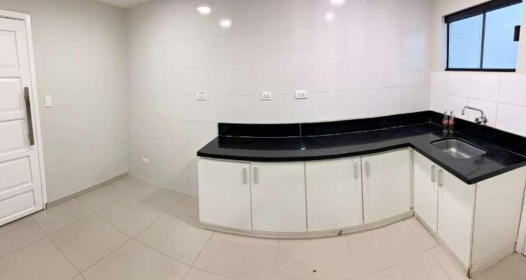 Oficina con showrrom  en alquiler av. pirai910302641
