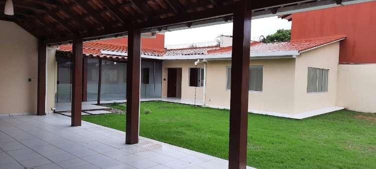 Zona norte alquilo dos amplios  galpones con casa preciosa para oficina 64344922