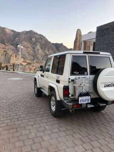 Jeep toyota land cruiser1946837694