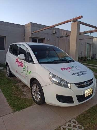 Hermoso auto de 7 plazas a gasolina y gas1448478189