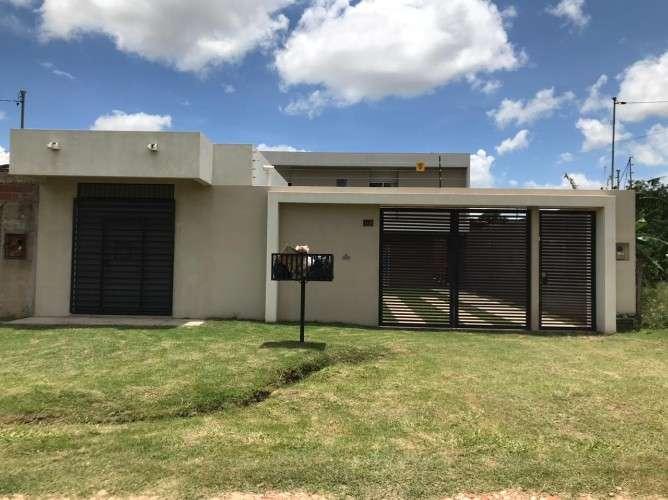 Hermosa casa en venta en zona norte, al frente del monumental 1136001011