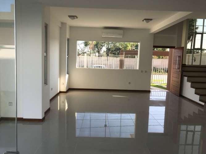 Renatta schaimann vende: de ocasión en esquina preciosa casa de dos plantas 3918272