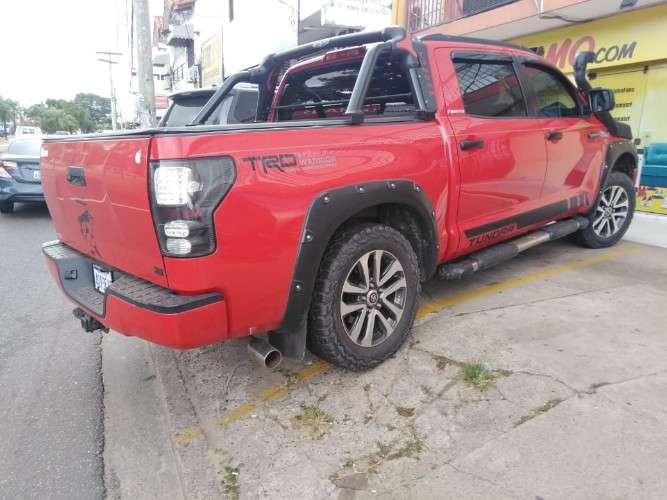 Vendo por motivo de viaje camioneta toyota tundra año 2013581044129