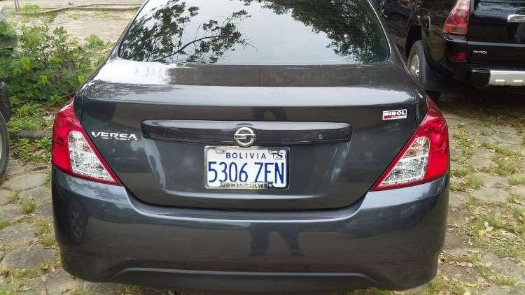 Nissan versa 20212060686878