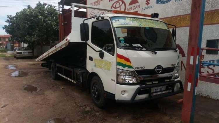 Camión grúa hino720800376