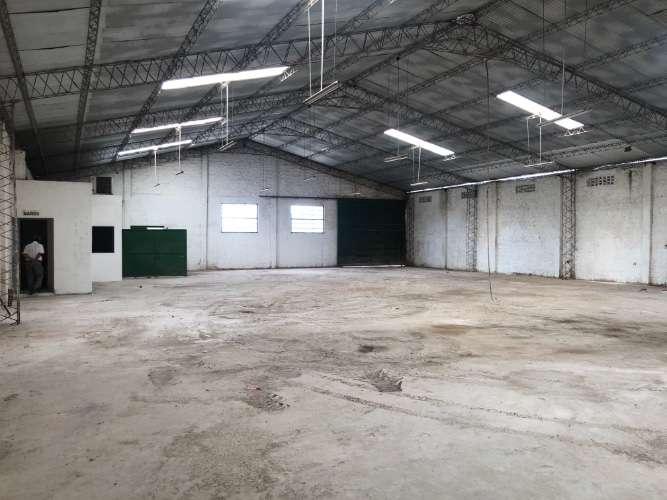 Zona norte y comercial alquilo: amplio y cerrado galpón  2004055796