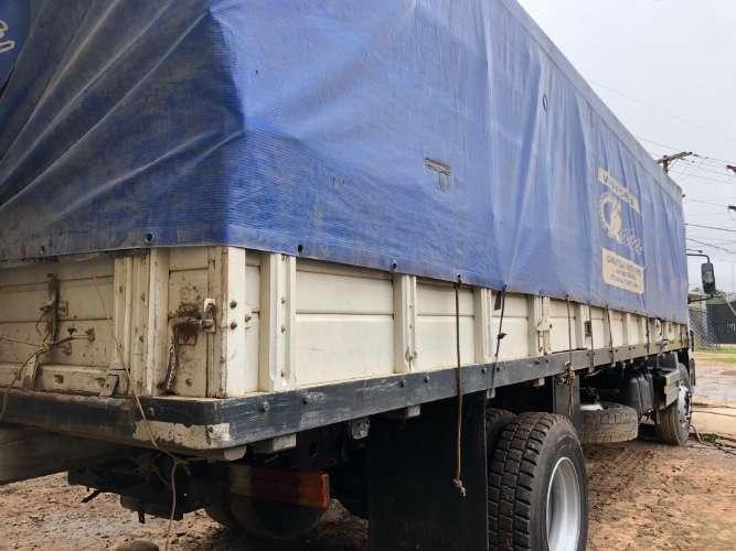 Camión con carrocería gránelera 1601365730