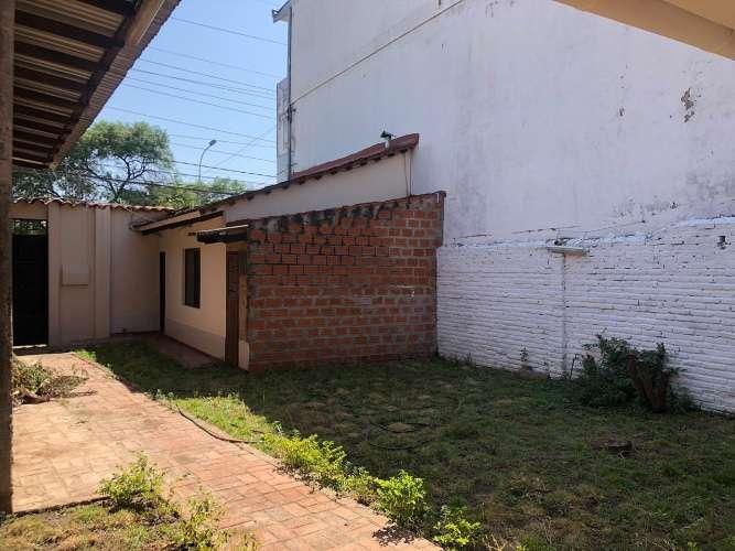 zona norte y comercial amplia casa de una planta con depósito 1947071238