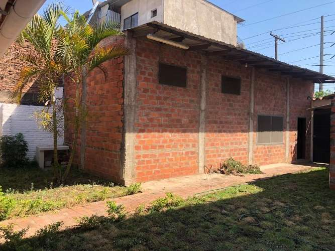 zona norte y comercial amplia casa de una planta con depósito 331621117