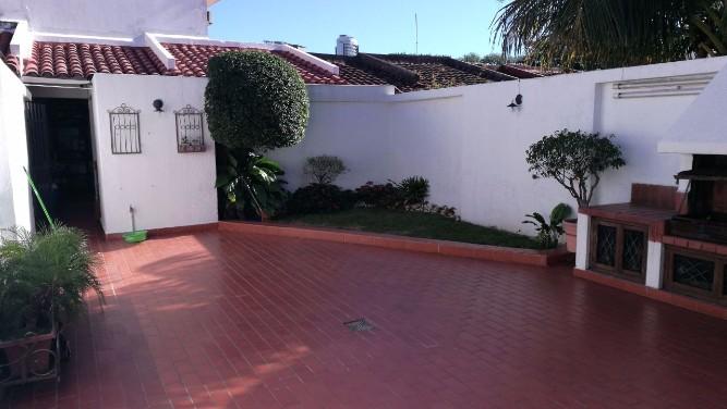 Vendo hermosa casa barrrio sirari1714292570