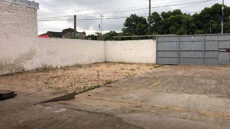 Sobre avenida amplio galpón  zona este, circunvalación carretera a cotoca712927400