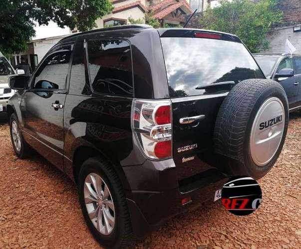 Vendo #jeep #suzuki #vitara 2016 de imcruz  ? motor 2.400cc caja mecanica ? aire acondicionado camara de retro ? impuestos al dia precio 17300$us ?. cel 750183621494820451