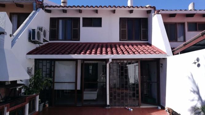 Vendo hermosa casa barrrio sirari1426868198