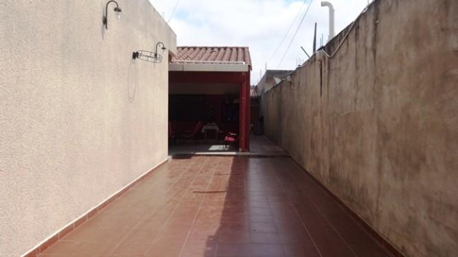 Casa sobre avenida con tiendas cerca del hospital frances453946446