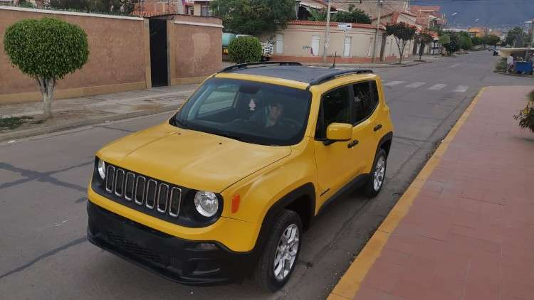 Hermosa y deportiva jeep renegade sport 2018 4x4 mecanica715084331