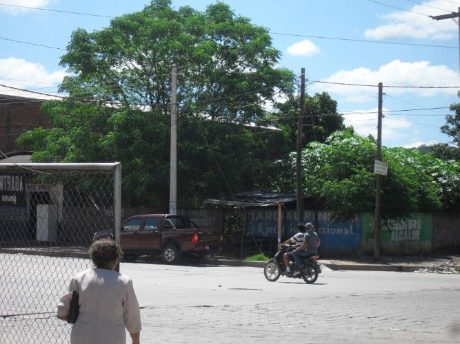 En venta terreno – lote al mejor postor en yacuiba frente terminal de buses1925301238