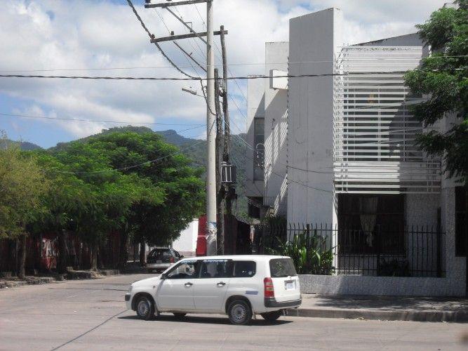 En venta terreno – lote al mejor postor en yacuiba frente terminal de buses1022033772