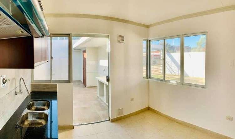 Hermosa casa en alquiler en valle sanchez, a dos cuadras de la carretera al norte322420999