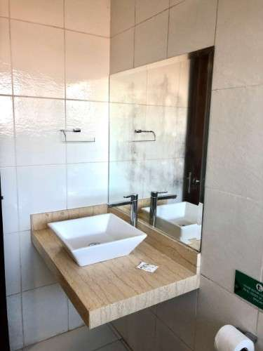 Cv/re  vende inmueble comercial de 4 plantas    ideal para oficinas, hotel / hostal, otros. 1929717947