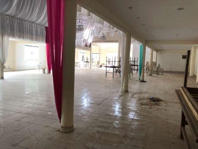 Vendo rentable casa comercial en funcionamiento sobre avenida1643687757