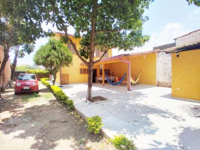 Casa en venta zona sur este1694177831