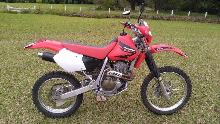 Vendo moto honda xr400r año 2001699059073
