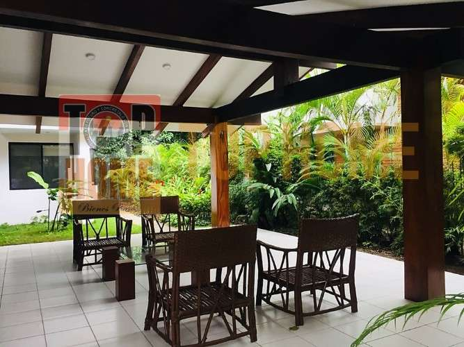 Hermosa casa en alquiler en condominio privado doble via a la guardia1424787114
