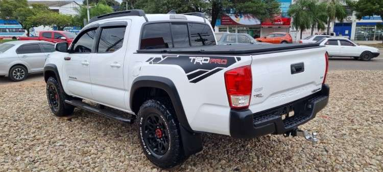Impecable toyota tacoma mod.2016 sport edition 4x41627039601