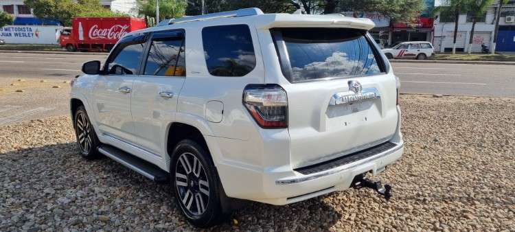 Impecable toyota 4runner mod.2014 limited 3 filas 4x4335677491