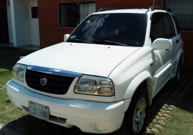 Tumomo Com Vagoneta Suzuki Grandvitara 2003 De Imcruz