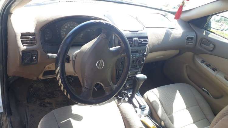 Vendo auto nissan sunny 20041769075187