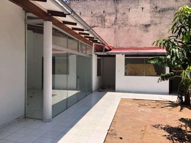 Renatta schaimann alquila: bonita y económica casa de una planta 886193207
