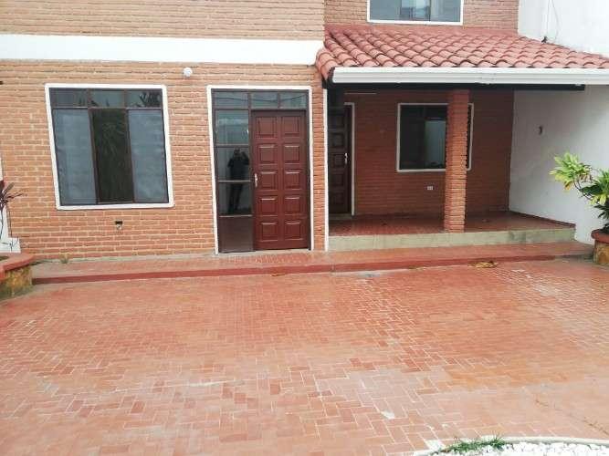 Urbari casa en anticretico - venta - alquiler1371529596