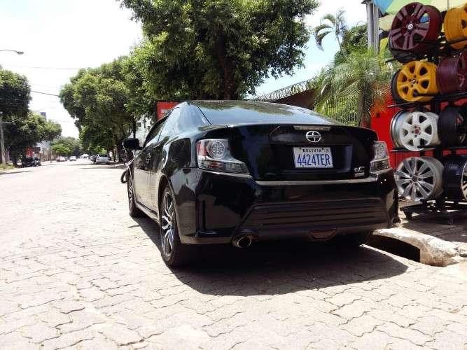 Vendo o permuto toyota scion 2015 por auto mas bajo1259904094