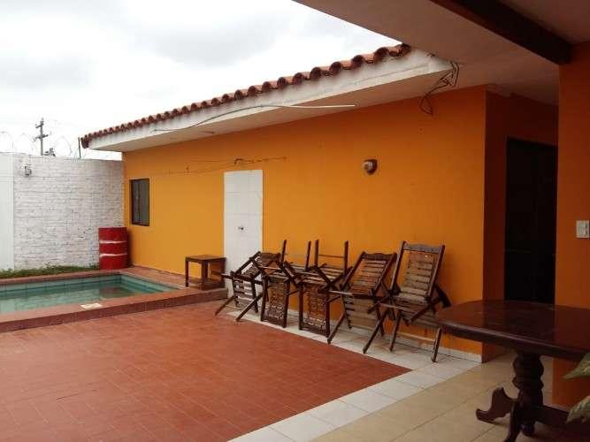 Chalet en venta z-sur con piscina924670158