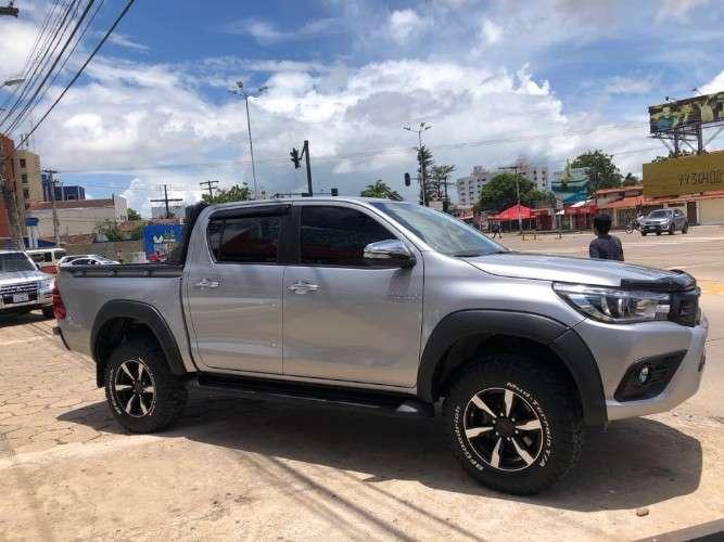 Vendo camioneta toyota hilux 2017611772360