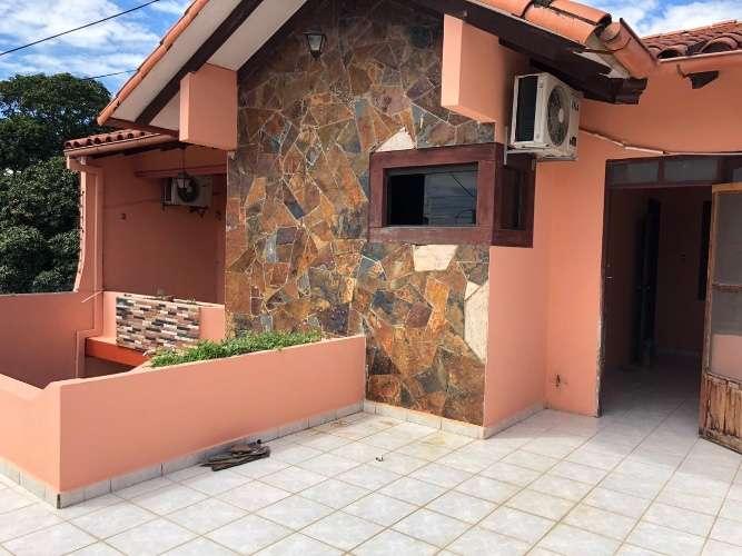 Zona sur, amplia y linda casa de dos plantas 249473131