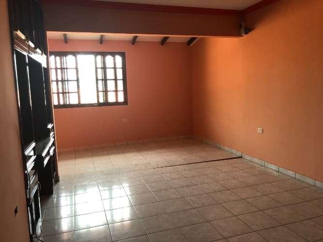 Renatta schaimann alquila: amplia y linda casa de dos plantas 935157366