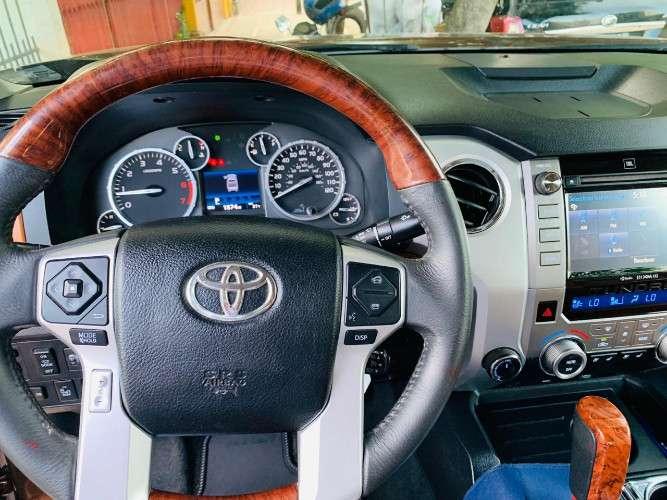 Vendo camioneta toyota tundra año 20171986738813