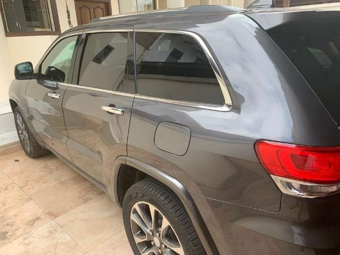 Vendo vagoneta jeep grand cherokee 2017640002598