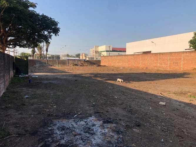 En zona estratégica vendo terreno sobre avenida y en esquina306118319