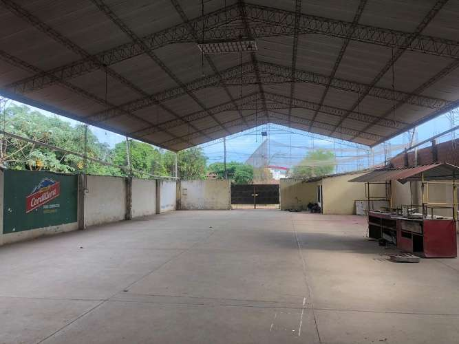Sólo galpón alquila: espacioso tinglado en zona comercial 1201170849