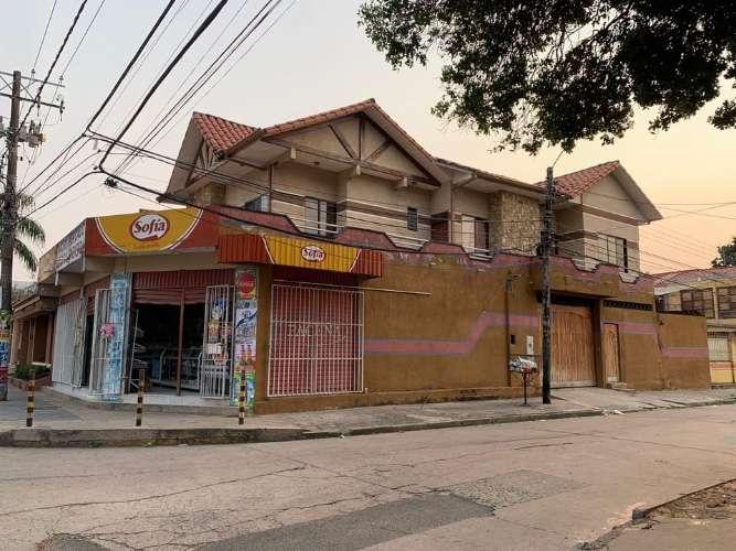 Casa comecial avenida radial 27 3er anillo 944781591