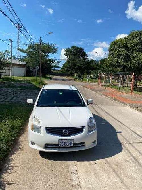 Nissan sentra 2011nibol2073783712