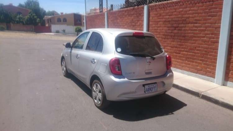 Impecable vehículo nissan march1221698097