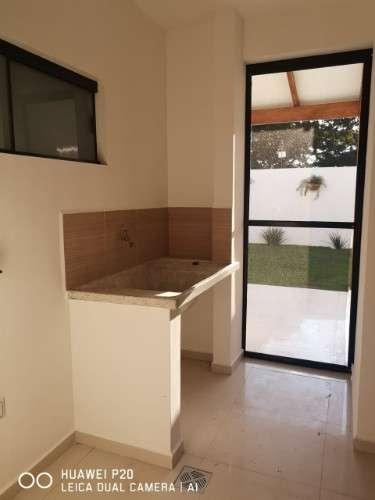 Casa en venta en jardines del urubo ii1701828230