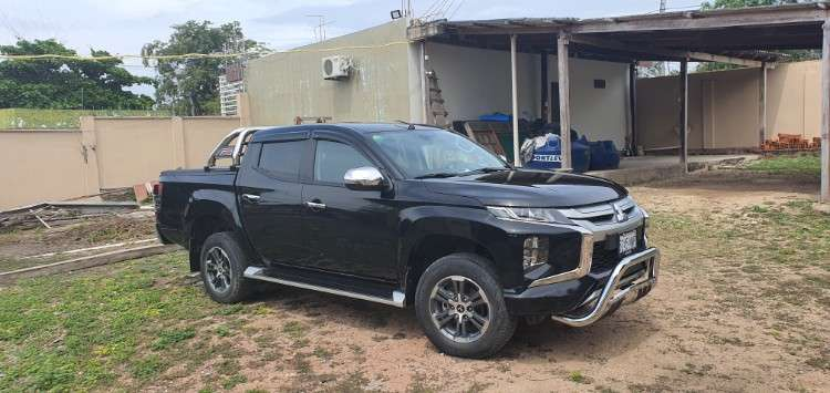 Camioneta triton l200 2020662314846