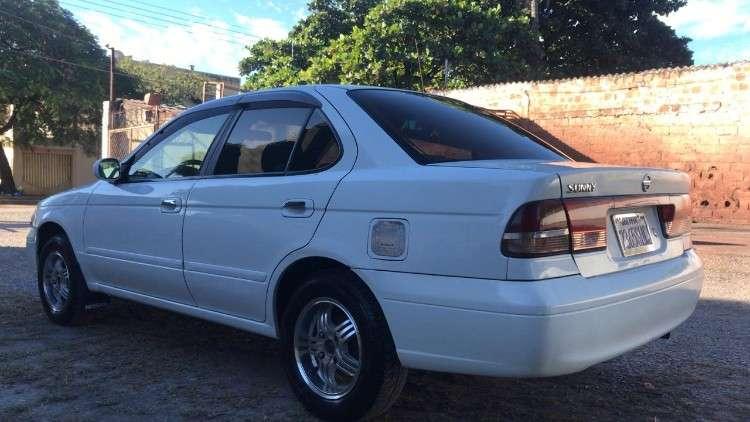 Vendo auto nissan sunny 20041882813377