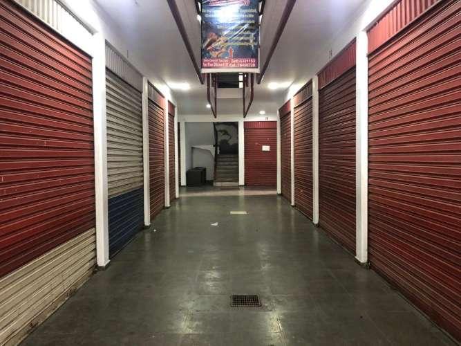 """Vendo en la zona del mercado los pozos centro comercial """"la casa santa""""134584954"""