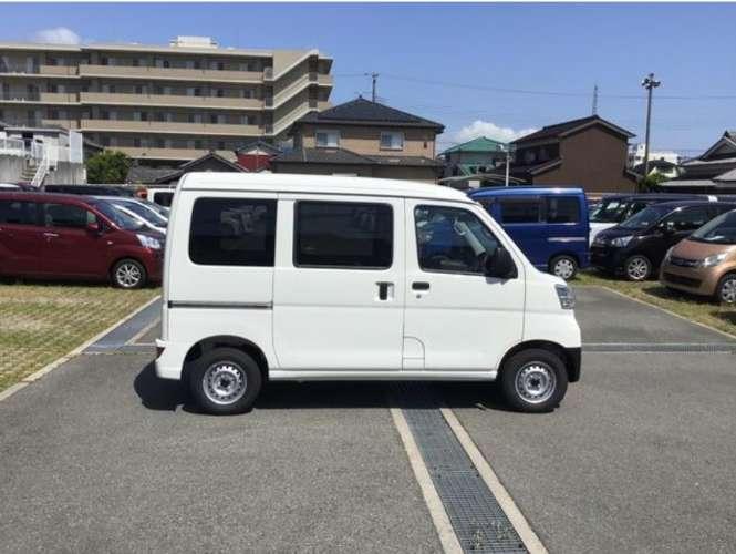 Daihatsu hijet van, un modelo del anno 2019, color blanco 5 puertas. el auto que estas esperando.320561151